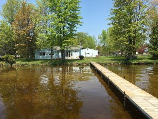 Vacation Cottage on beautiful Lake Noquebay