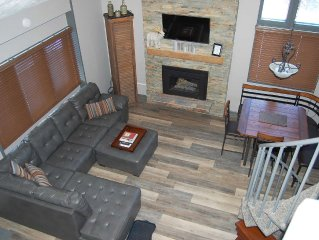 Recently Remodeled 3 Bedroom + Loft, 2 Bath Mountain Villa Condo