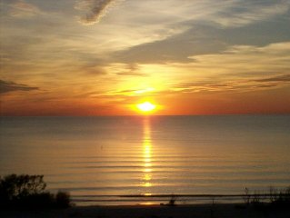 Best sunsets on the beach, direct gulf view and best location on the island