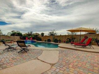 Big Backyard Pool and BBQ, 5 bedroom, 3 bathrooms, 3735 sqft