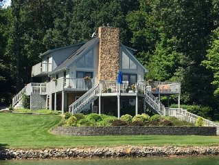 Family-friendly/Huge dock/Kayaks/Paddleboard/Fire-pit/Mountain view/Wifi/Games