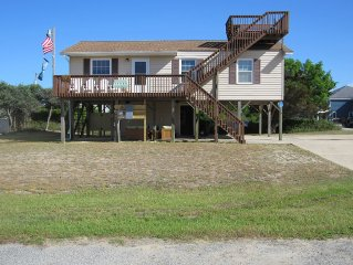 Completely Renovated Salt Box with Ocean Views & Easy Beach Access