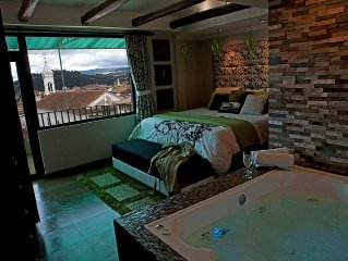 Penthouse In Cuenca's Historic District. Sound-Proofed. Jacuzzi.