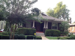 CHARMING Renovated Bungalow in a CENTRAL LOCATION< beautifully furnished