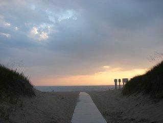 Walk to everything! Lake MI beaches, General Store, Dune Dogs, Mt Pisgah & more!