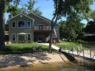 Newer Home with beachfront in quiet cove at MM 44.5
