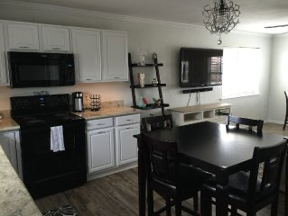 Pet Friendly, 3bdrm/2bath Cozy Beach Cottage.  Just Steps Away From The Gulf.