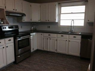 4-Bedroom Penticton Vacation Rental Walking Distance to Downtown & Lake Okanaga