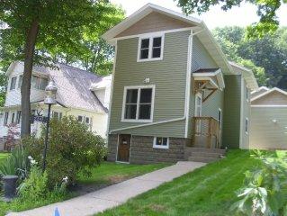 Macatawa Park Cottage-Sleeps 6-8. 3 BR, 1.5 BA, A/C. July 22-29 still available!
