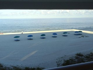 Beautiful Beachfront Couples Retreat. Jan dates available due to cancellation