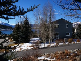Your Colorado private HOME AWAY FROM HOME with Hot Tub, WiFi, Garage, Pool……….