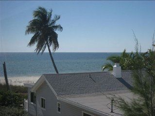 Gulf View Beachfront 2 BR/2 BA Condo On Fort Myers Beach Gulf  Weekly Rentals