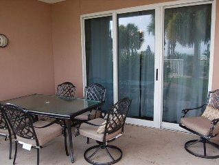 Ground Floor Unit Next to the Pool with Great Rates