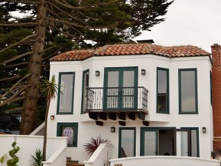 BREATHTAKING OCEAN FRONT PROPERTY Newly Renovated - 2 Bed, 2 Bath Duplex