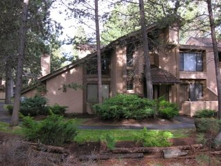 Tennis Village Condo-Sunriver Lodge Guest Benefits-WiFi-Pets Welcomed