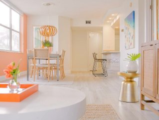 Remodeled Modern Paradise Oasis Minutes From St Pete Beach & Fort De Soto Park