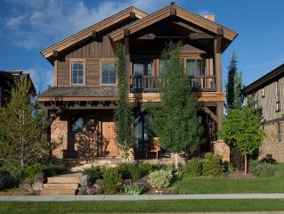 4BR Beautiful Golf Course & Mountain Views -- Escape to Driggs & Targhee!