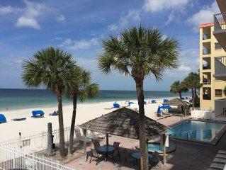Beachfront balcony-amazing view! 301