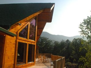 Breath Taking Rustic Log Mountain Lodge with all the modern conveniences