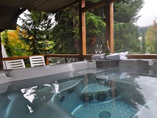 Relax At Glaciers Reach In Whistler With Private Hot Tub & Free Parking