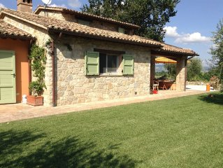Le Bonheur di Todi  - Among olive groves and vineyards - Rent it NOW !