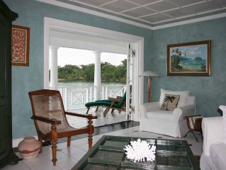 Oceanfront vacation villa in Jamaica! From deck to water - 3 bds/bths, chef incl