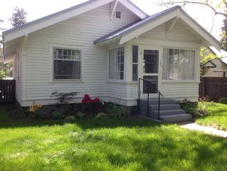 Cute Cottage In The Heart Of Historic Downtown Bend! Great Location!
