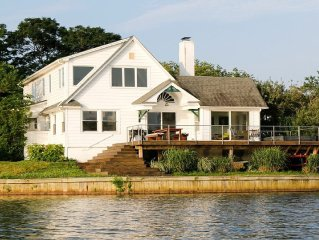 Luxury Oasis Panoramic Lake Views - terrace and hot-tub overlooking Deal Lake