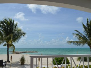 Private Beach , Beautiful Villa With White Sand And Turquoise Water !