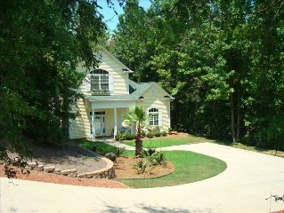 Beautiful Executive Home, Concord, Sleeps 6