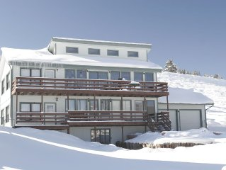 Continental Divide Views! 6+Bed, Pet Friendly, Private Hot Tub