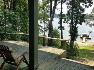 Water's Edge Lake Front Home With Private Dock And Sandy Beach