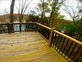 Norris Lake Lakefront 3bed/sleeps 10, 3 Decks, Waterfront /dock, Newly Remodeled