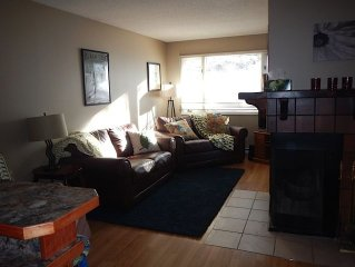 Family Friendly Ground level condo steps from Lower Village Gondola