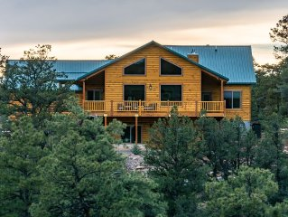 Brand new home on a canyon ridge with a new 8 person hot tub.