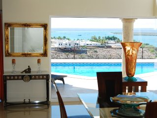 BECAUSE YOU'RE WORTH IT..AMAZING HOUSE 4 BEDROOMS HEATED POOL SEA VIEW
