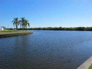 Updated Spectacular Paradise Home 4 Bedroom/2 Bath on Sailboat Canal