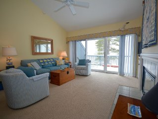 Delightful Homestead Beachfront Condo - Epic Sunsets Over Sleeping Bear Bay