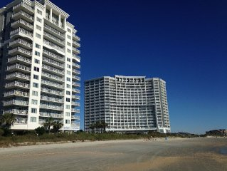 Oceanfront, King Bed, Lazy Rivers, Tiki Bar, Hot Tubs, Full Kitchen