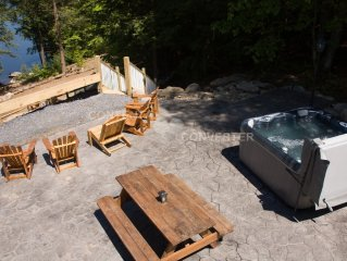 Private Lakefront! Hot Tub! 490 ft of Adirondack shoreline! 3 Acres!