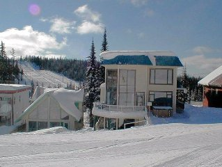 BEST Location on the Mtn! Ski In/Out Your Front Door! Walk Everywhere!