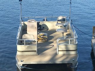 Sugar Island-Waterfront property with pontoon (May-Sept).  Open all year!