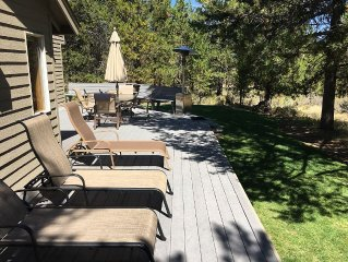 Great 5 Bedroom Home In Sunriver, Located Near  Fort Rock Park, With A Yard