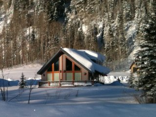 Mountain Family Home W/ Magnificent Views, Minute
