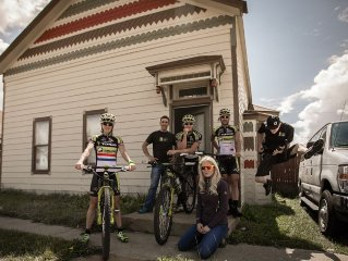 RACE READY! Lovely Large Home in Downtown Leadville! Plan Reunion, Ski,Hike,Bike