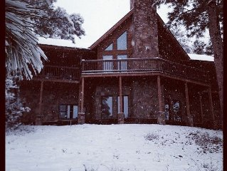 Luxurious Log Cabin with Majestic Views, 5 Bedroo