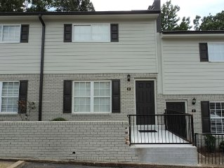 Comfy Condo In Gated Community Approx 1.2 Miles From Grove And Stadium