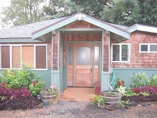 Private 1 Acre W/Charming Homestay by Waterfall Sleeps (2-4)