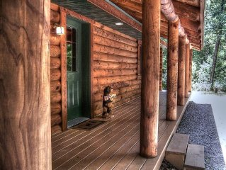 Bear Acres Log Cabin - Wilderness retreat near downtown Wis Dells