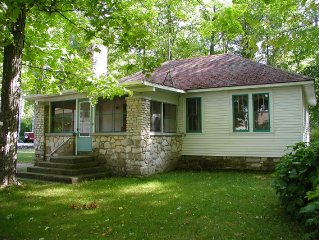 Three bedroom cottage in Point Beach area of Egg Harbor